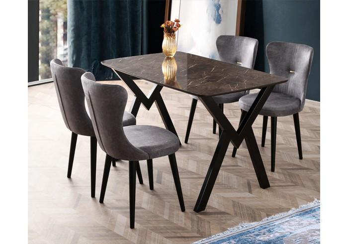 Кое е първото – масата или столовете