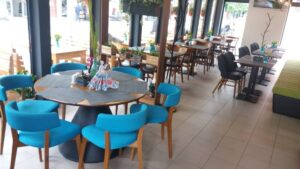 For Friends Bar & Diner в град Троян