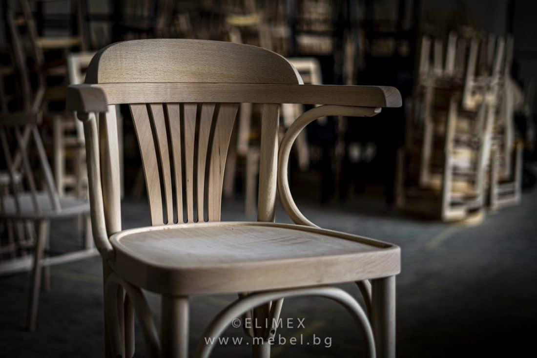 Производител на столове масив в Троян