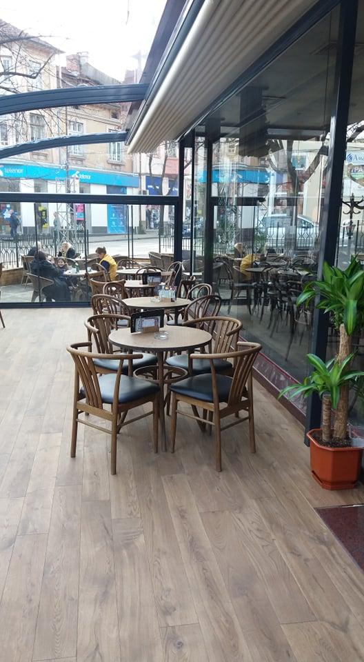 Кафе Тифани със столове от Елимекс